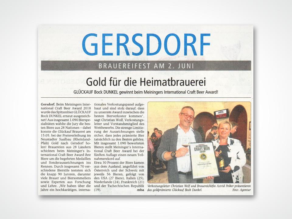 Verkostungsleiter Christian Wolf und Brauereichefin Astrid Peiker präsentieren das goldprämierte Glückauf Bock Dunkel.